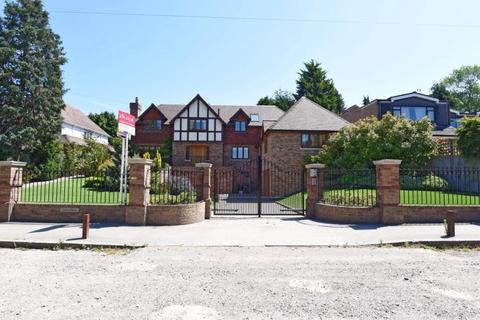 5 bedroom house to rent - Hill Brow Bickley BR1