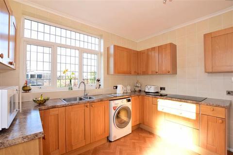 2 bedroom detached bungalow for sale - Horsham Road, Bexleyheath, Kent