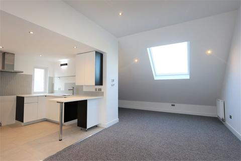 2 bedroom flat to rent - Sherwood Road, SEAFORD, East Sussex