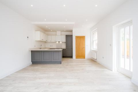 4 bedroom detached house for sale - North Road