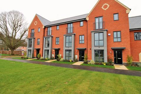 5 bedroom townhouse for sale - Echelon Walk, Colchester, Essex, CO4