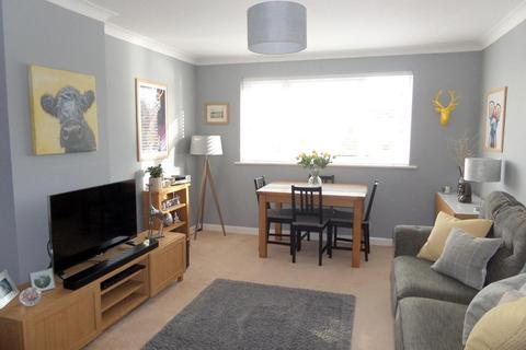 2 bedroom apartment for sale - Deganwy, Conwy
