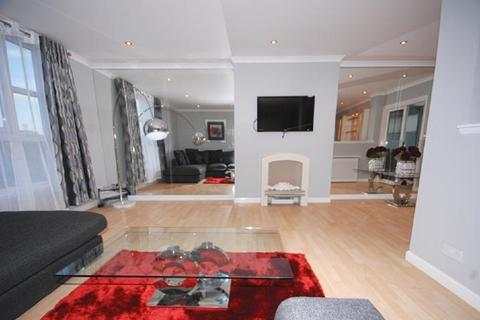3 bedroom penthouse to rent - New Century House, Crown Street AB11