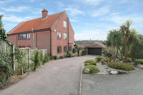 4 bedroom barn conversion for sale - Gorleston, NR31