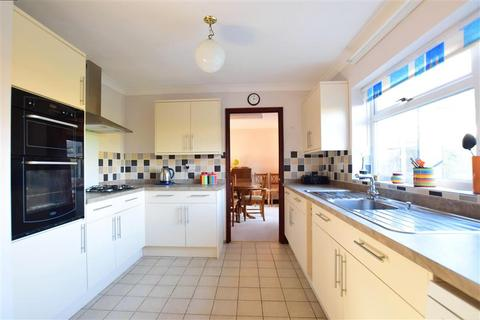 4 bedroom detached house for sale - Blake Close, Walmer, Deal, Kent