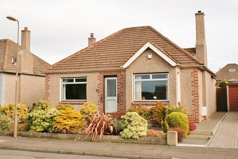 2 bedroom detached bungalow for sale - 38 Craigmount Avenue North, Corstorphine, Edinburgh EH12 8DD