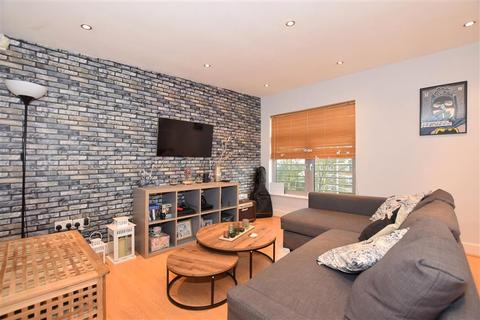 2 bedroom flat for sale - Orchard Street, Maidstone, Kent