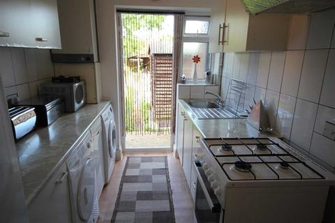 2 bedroom maisonette to rent - Millway Gardens, Northolt