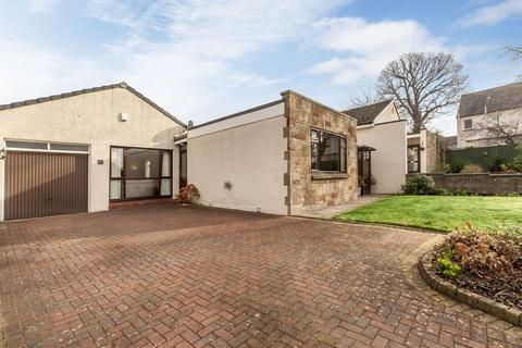 3 bedroom detached bungalow for sale - 6 Elliot Road, Craiglockhart, EH14 1DU