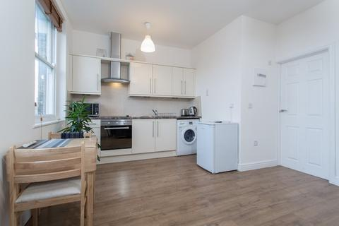 1 bedroom flat to rent - The Broadway, Ealing Common, W5
