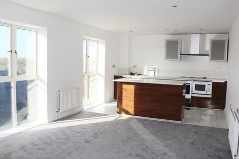 2 bedroom penthouse to rent - Lock House, Waterside