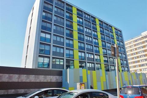 Studio to rent - Trident House , Station Road , UB3 1AY