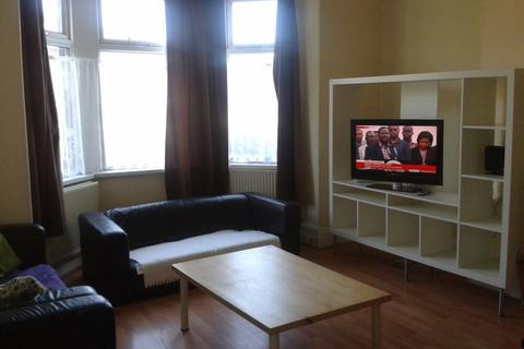 6 bedroom terraced house to rent -  Lucas Place,  Leeds, LS6
