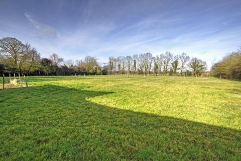 3 bedroom property with land for sale - Rockland St Peter, Norfolk