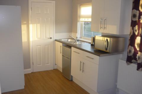 Studio to rent - Room 3, 112 Rockingham Road
