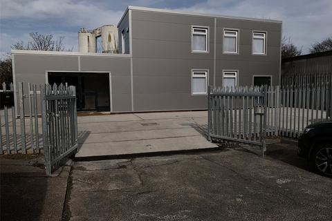 Industrial unit to rent - Stock Road, Southend-on-Sea, Essex, SS2