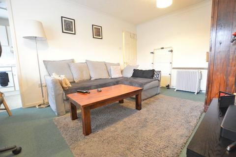 1 bedroom apartment to rent - Kinnaird Close, Slough