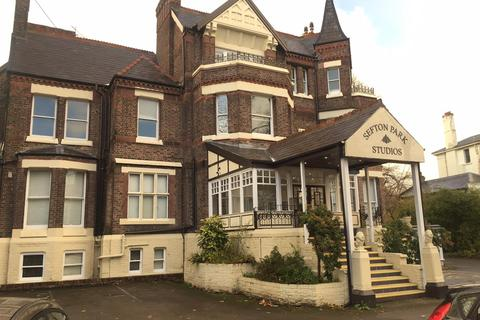 Studio to rent - Croxteth Drive, Liverpool