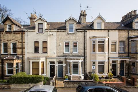 4 bedroom townhouse for sale - Claremont Terrace, York, YO31
