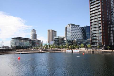 2 bedroom apartment to rent - The Heart, MediaCity UK, Salford Quays