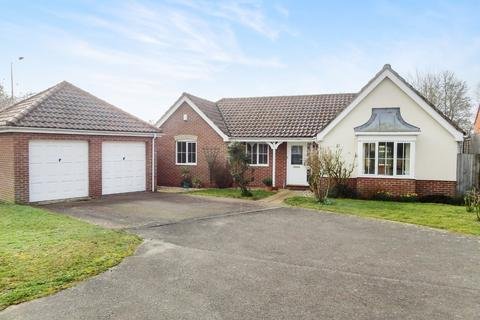 3 bedroom detached bungalow for sale - Crane Close, Woodbridge, IP12 4TF