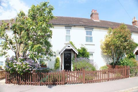 2 bedroom cottage to rent - Osborne Road, Warsash