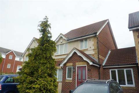 4 bedroom terraced house to rent - Miles Drive, Thamesmead, London, SE28 0JA