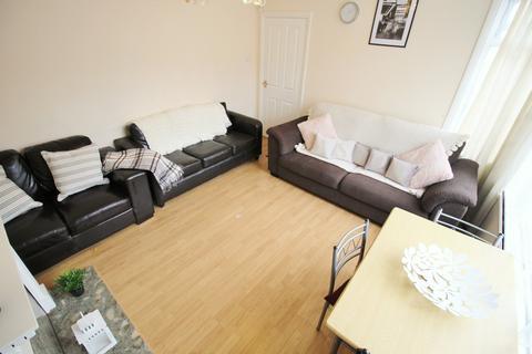 4 bedroom house to rent - Estcourt Terrace, Leeds LS6