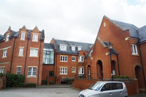 2 bedroom flat to rent - Pemberley Lodge, Windsor