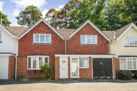 2 bedroom house to rent - Camberley, Surrey, GU15
