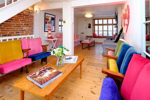 3 bedroom terraced house for sale - George Street, Brighton, East Sussex, BN2