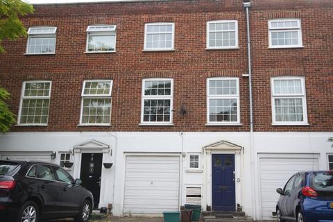 6 bedroom terraced house to rent - Blenheim Gardens, Kingston Upon Thames, KT2