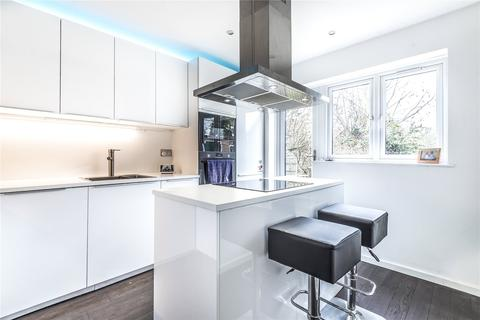 2 bedroom semi-detached house for sale - Moorfield Road, Uxbridge, Middlesex, UB8