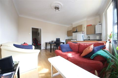 2 bedroom flat to rent - Manor Lane, Lee