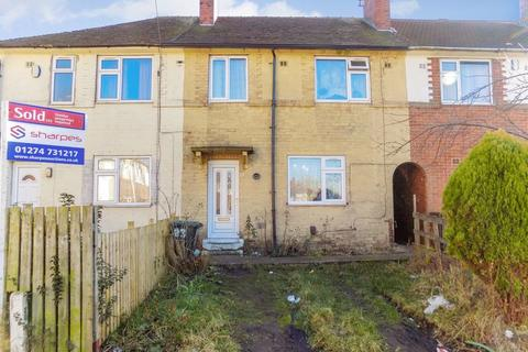 3 bedroom townhouse for sale - Curlew Street, Bradford - Three Bedroom Mews With Tenant Over 10% Yield