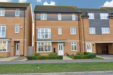 4 bedroom semi-detached house for sale - Manor Drive, Gunthorpe, Peterborough