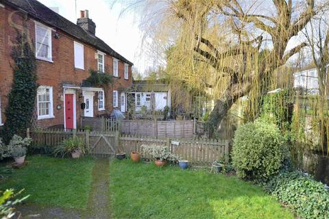 2 bedroom terraced house to rent - Cornmill, Waltham Abbey, Essex