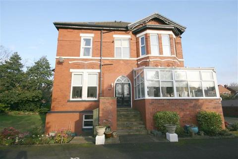 2 bedroom apartment to rent - Grosvenor Road, Southport, Southport