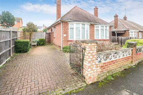 2 bedroom detached bungalow for sale - Gravely Street, Rushden NN10 9XH