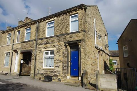 2 bedroom terraced house to rent - Albion Road, Idle, BD10