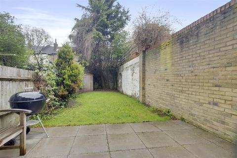 3 bedroom house for sale - Lea Bridge Road, Hackney