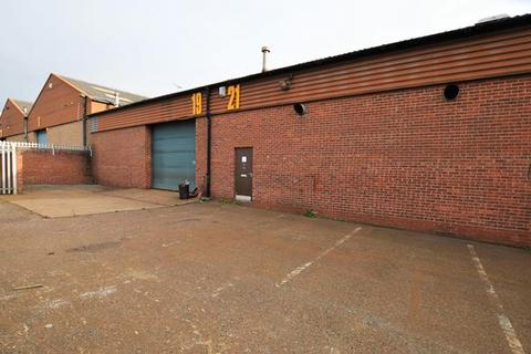 Industrial unit to rent - 19 - 21 Redhills Road, South Woodham Ferrers, Chelmsford, Essex