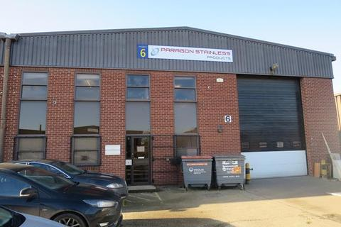 Industrial unit to rent - 6 Mason Road, Colchester, Essex