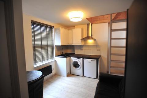 Studio to rent - Egremont Place, Brighton