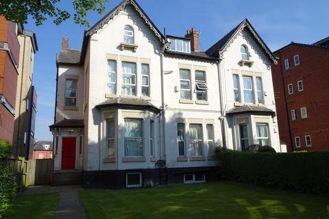11 bedroom semi-detached house to rent - Wilmslow Road, Manchester, M20