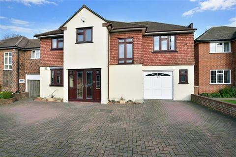 4 bedroom detached house for sale - Wyvern Close, Dartford, Kent