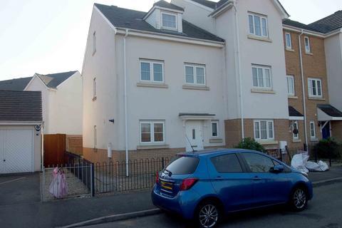 3 bedroom townhouse for sale -  Ffordd Yr Afon,  Swansea, SA4