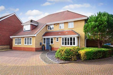 6 bedroom detached house for sale - Beaulieu Drive, Waltham Abbey, Essex
