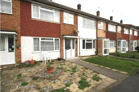 4 bedroom terraced house - Cherry Avenue, Langley SL3