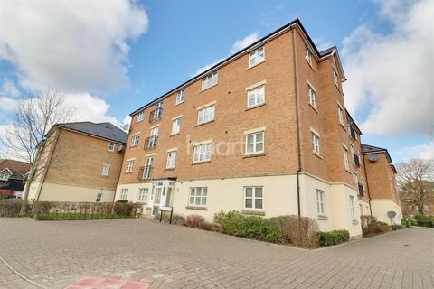 3 bedroom flat for sale - Estella Close, Swindon, Wiltshire